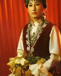 Le costume traditionnel des femmes kazakhes